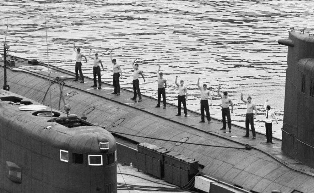 Sailors of the Black Sea fleet doing morning exercises, 1991