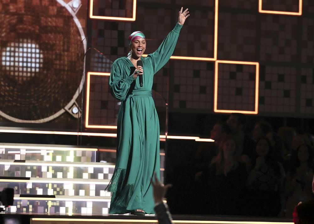 Host Alicia Keys