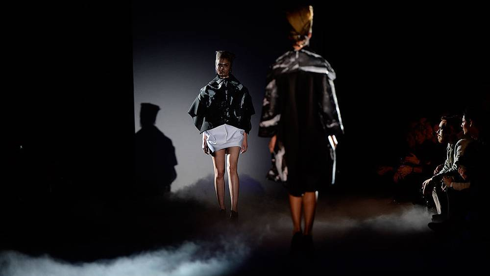 Показ коллекции PIROSMANI BY JENYA MALYGINA на Mercedes-Benz Fashion Week Russia. Фото ИТАР-ТАСС/ Сергей Карпов