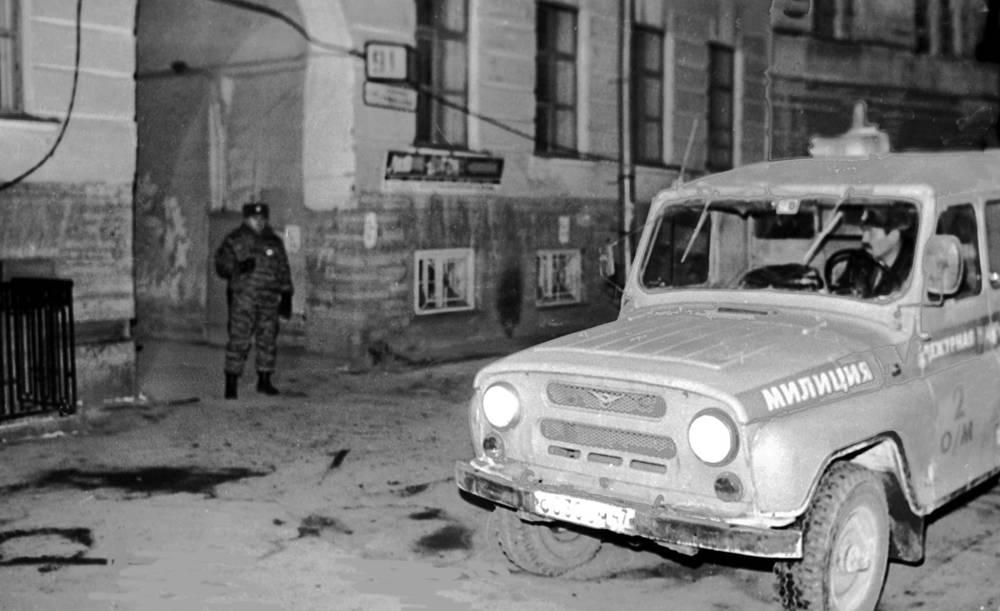 на месте убийства Старовойтовой