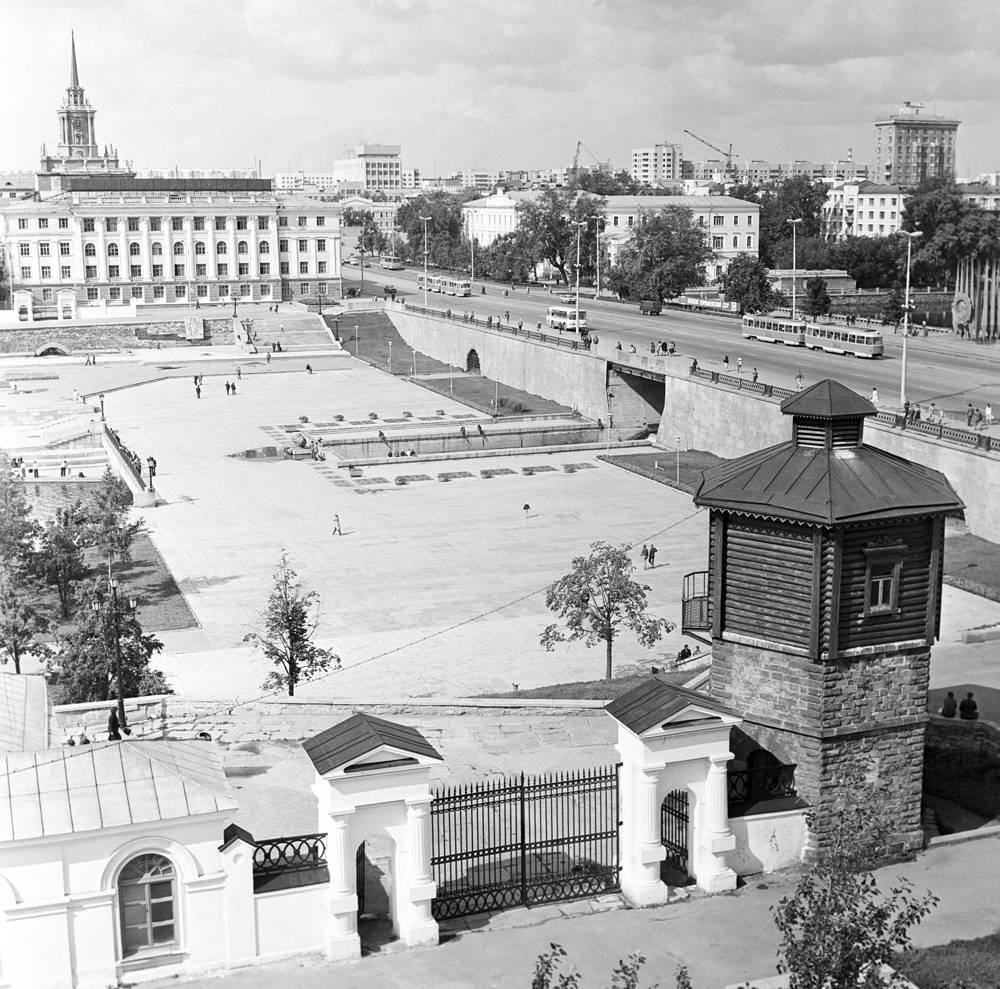Вид на Исторический сквер Екатеринбурга