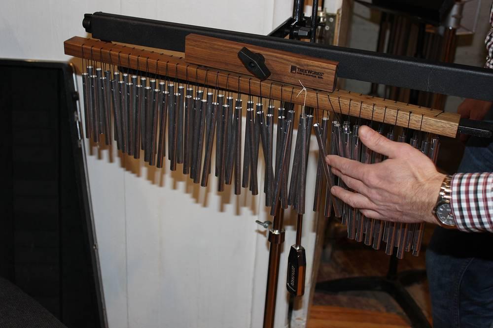 Музыкальный инструмент томы