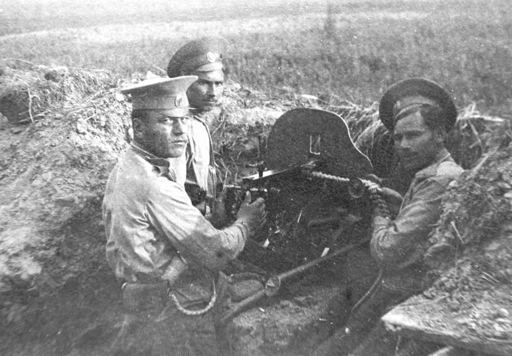Фото из альбома фотоснимков о жизни Оренбургского казачьего воеводы Нагого полка в Первую Мировую войну 1914-1915 годов