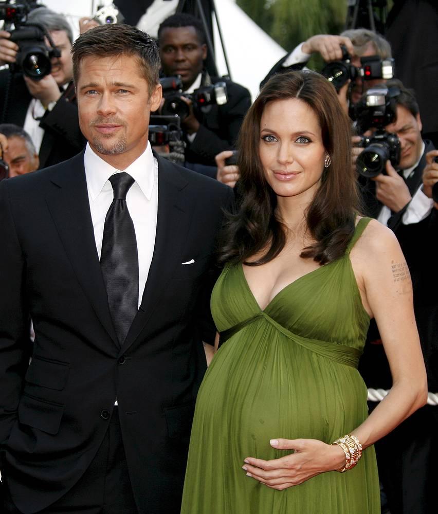 Актриса Анджелина Джоли и супруг, актер Брэд Питт на 61-м Международном Каннском кинофестивале, 2008 г.