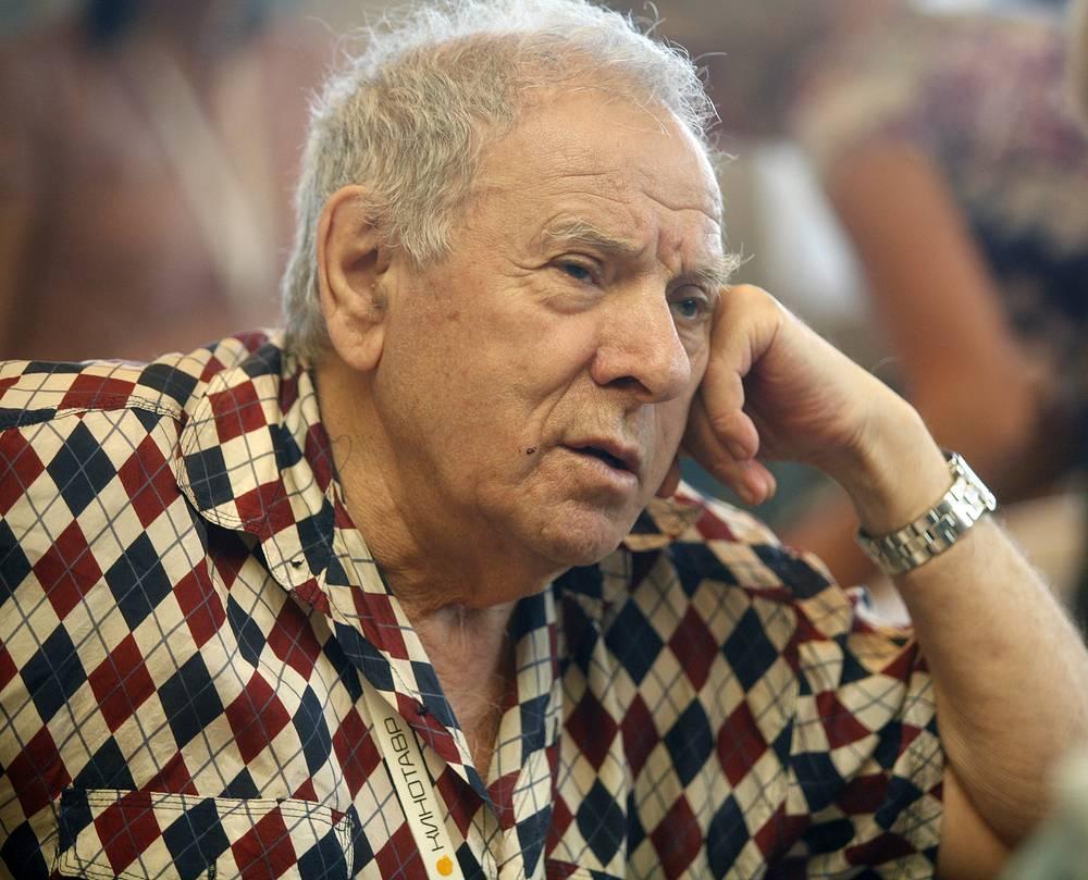 24 мая. На 88 году жизни умер советский режиссер, сценарист, оператор, композитор  Петр Тодоровский