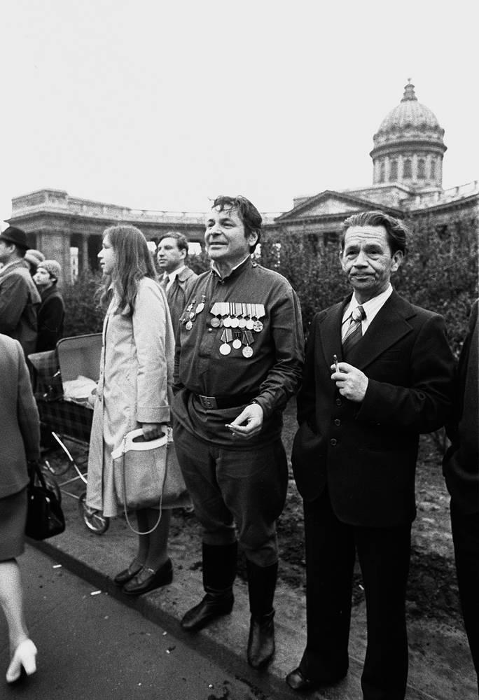 Народный артист России Герман Орлов (второй справа)