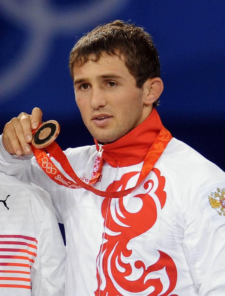 Бесик Кудухов с бронзовой медалью ОИ-2008
