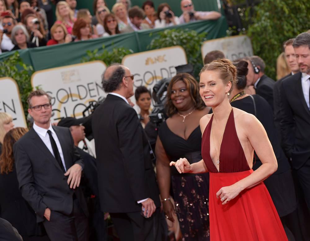Эми Адамс на красной ковровой дорожке на 71-й ежегодной премии Золотой глобус в отеле Беверли Хилтон