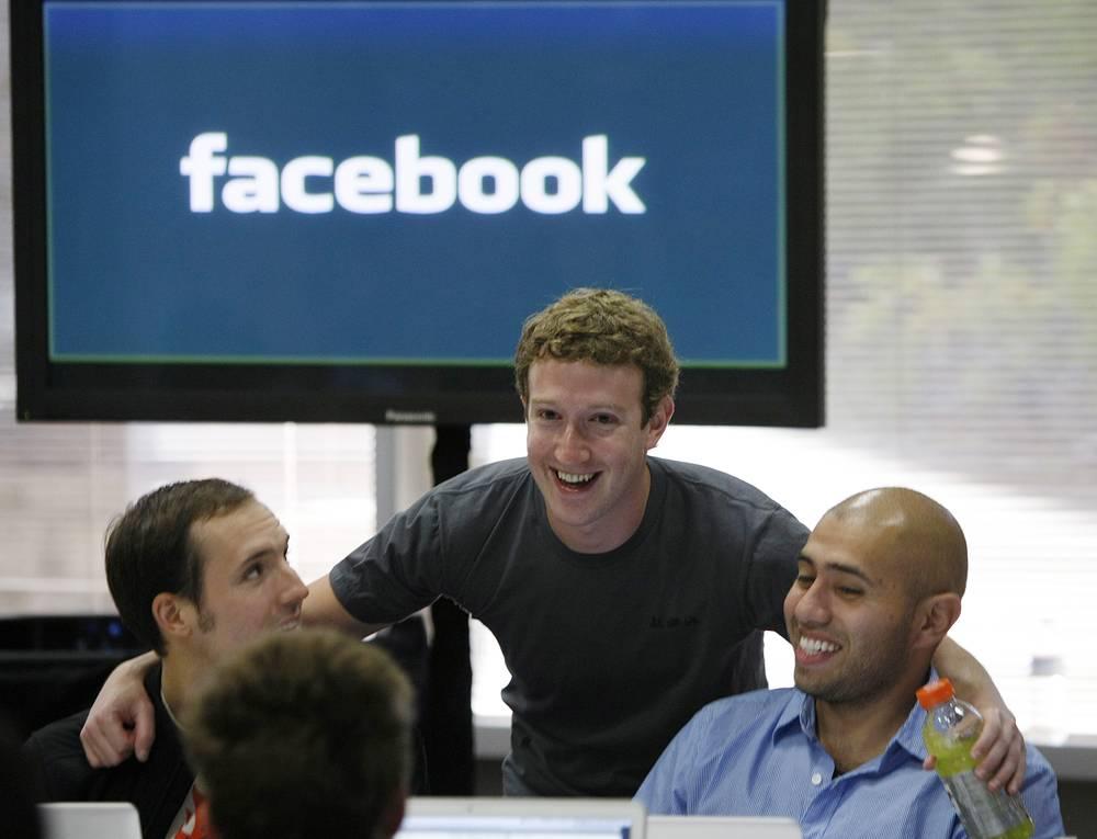 Цукерберг в штаб-квартире Facebook в Пало-Альто, Калифорния, 2010 год