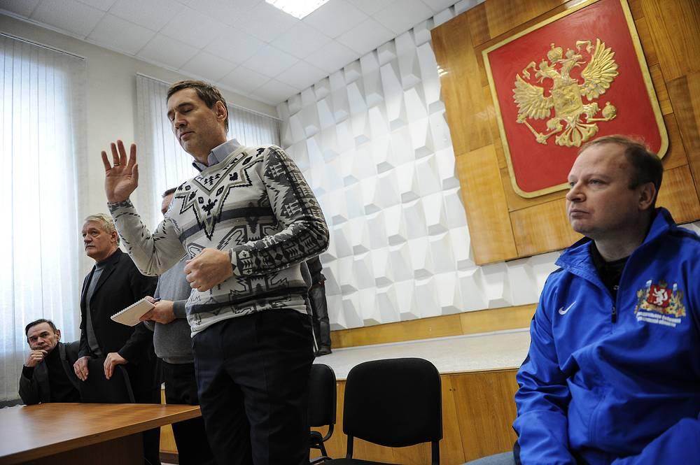 По словам зампредседателя правительства Свердловской области Сергея Зырянова, городские власти предпринимают максимум усилий по востановлению водоснабжения