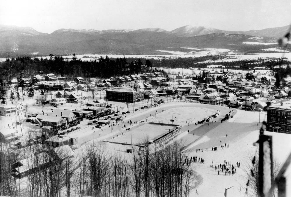 III зимние Олимпийские игры в Лейк-Плэсид, США, 1932 год. Каждая третья зимняя Олимпиада проходила в сложных климатических условиях. В Лейк- Плэсиде из-за испорченной трассы соревнования по бобслею пришлось проводить после официального закрытия Олимпиады