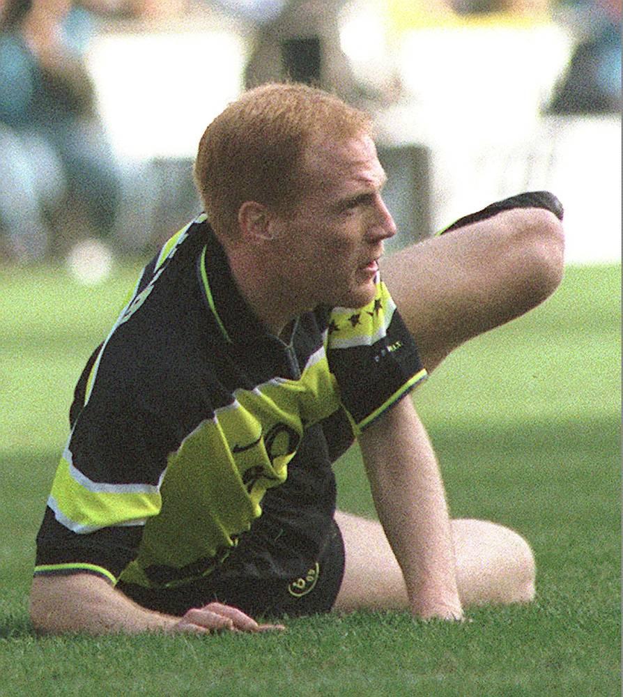 Маттиас Заммер, в 30 лет оставил футбол из-за травмы колена, лучший футоблист Европы (1996),  1997 год