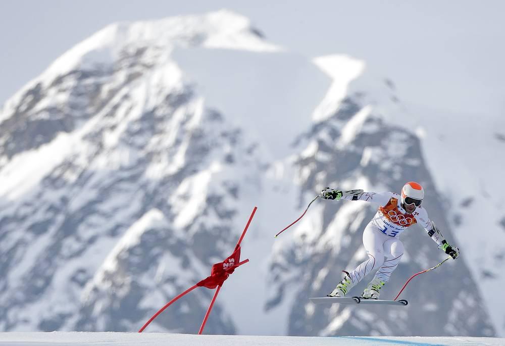 Американский горнолыжник Боде Миллер, завоевавший бронзовую медаль вместе с канадцем Яном Худеком, в соревнованиях супергигантского слалома