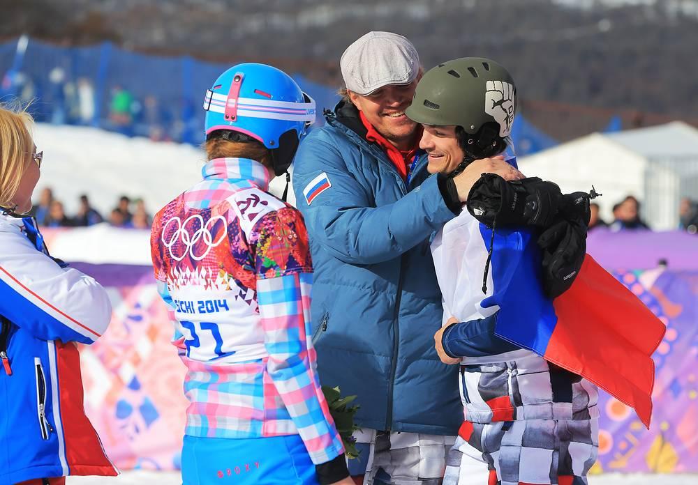 Виктор (Вик) Вайлд родился 23 августа 1986 года в Уайт-Сэлмоне, штат Вашингтон, США. Сменил гражданство по окончании сезона-2010/11 после женитьбы на российской сноубордистке Алене Заварзиной