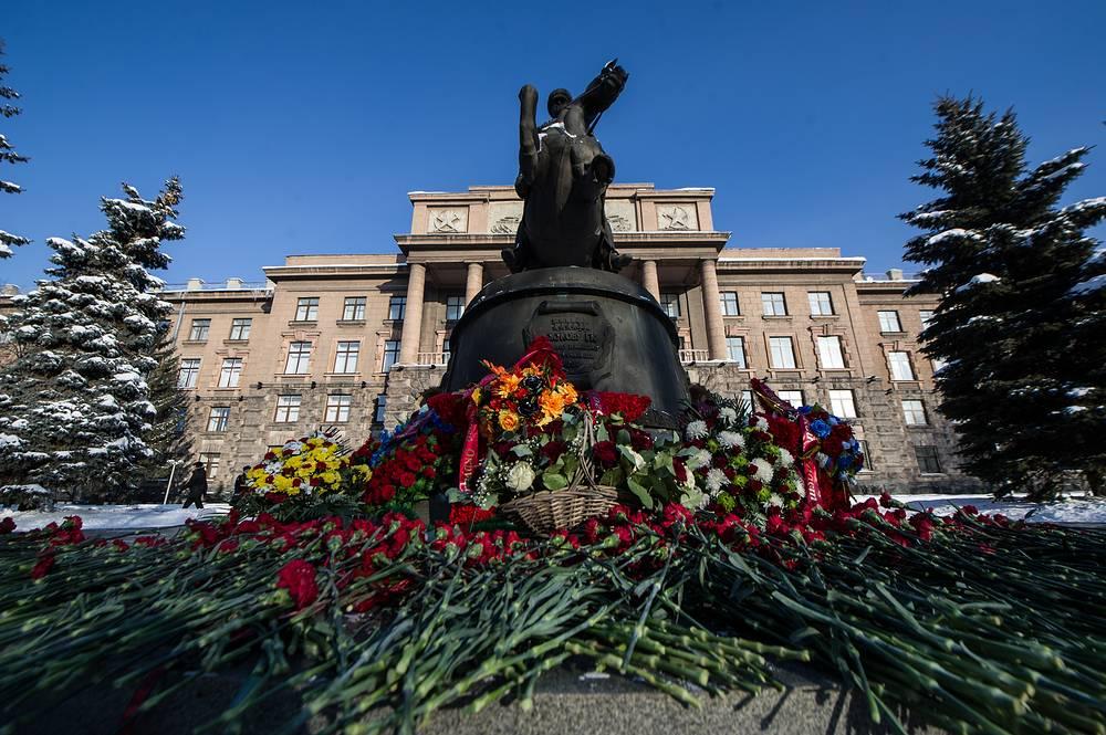Памятник маршалу Георгию Жукову