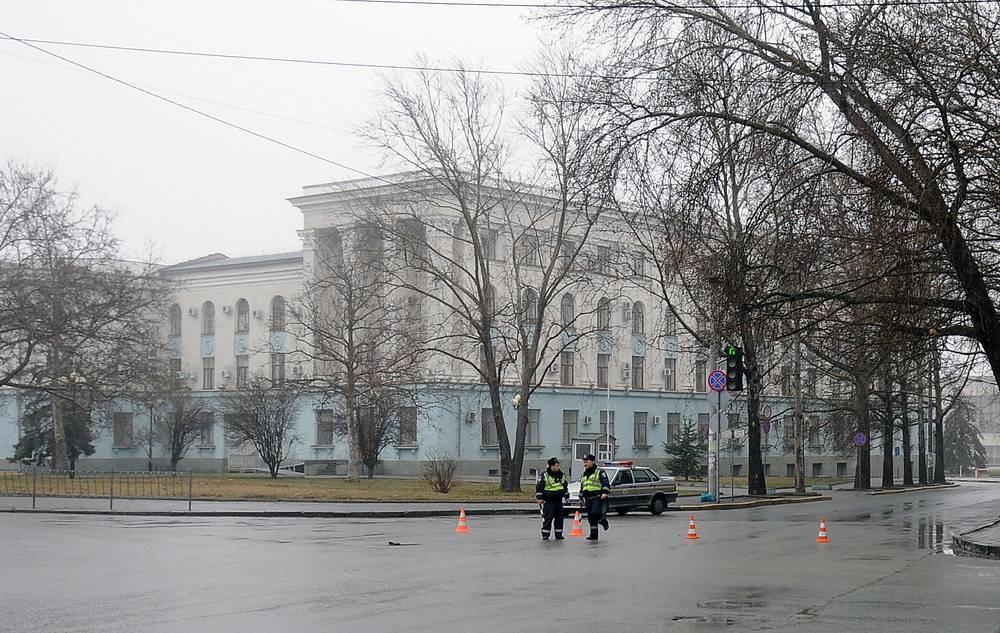27 февраля. Симферополь. Вид на здание Совета Министров Крыма