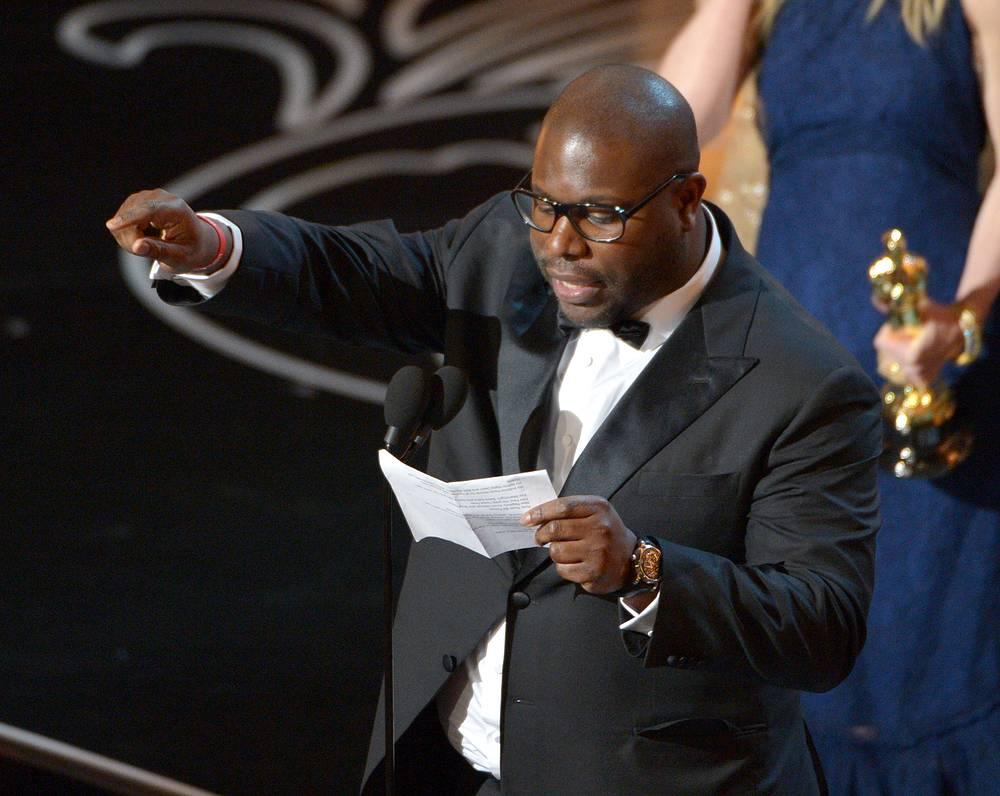 """""""Я посвящаю эту награду всем, кто знает, что такое рабство"""", - заявил в конце благодарственной речи режиссер картины Стив Маккуин"""
