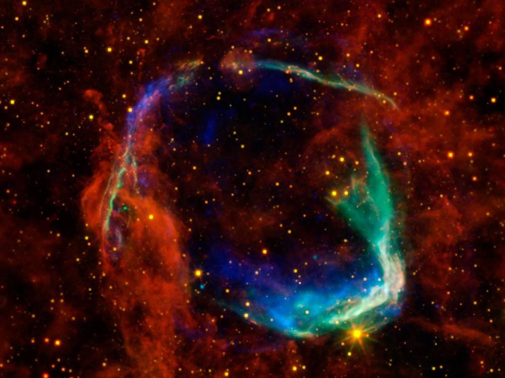 Взрыв одной из звезд
