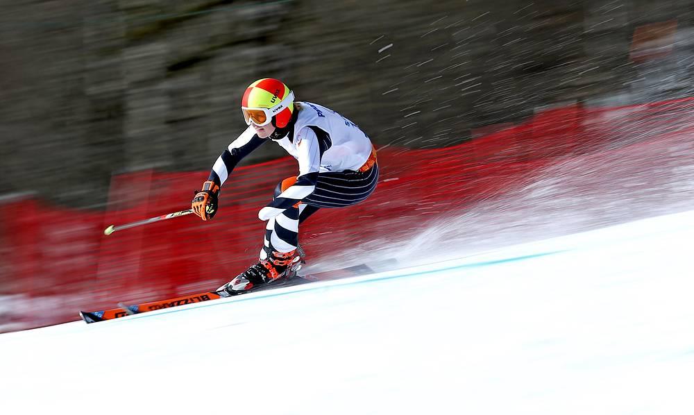 """Немецкая горнолыжница Андреа Ротфусс во время соревнований в слаломе-гиганте в категории """"стоя"""""""