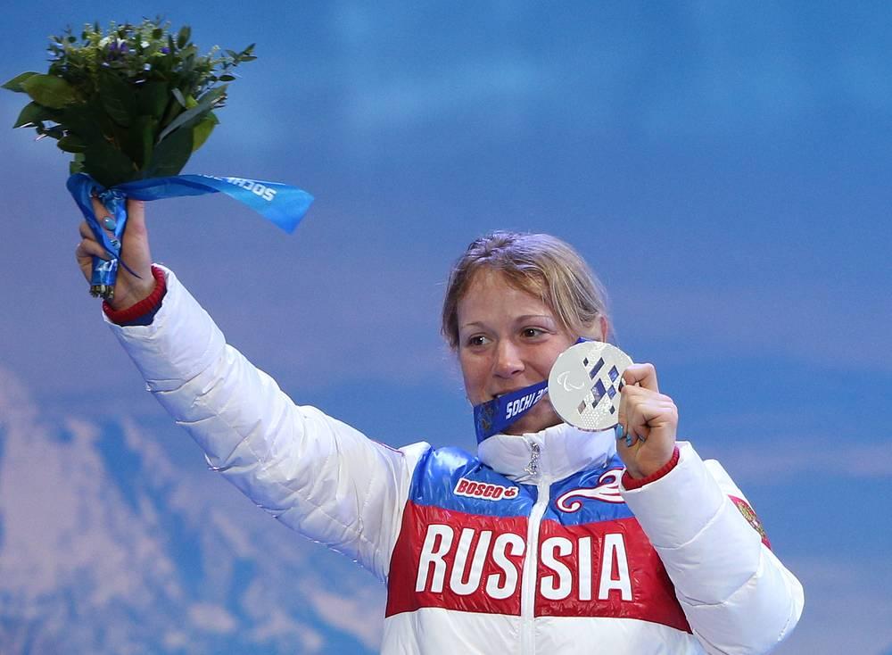 Биатлонистка Светлана Коновалова завоевала две золотые медали - в открытой эстафете в лыжных гонках и биатлоне на дистанции 12,5 км
