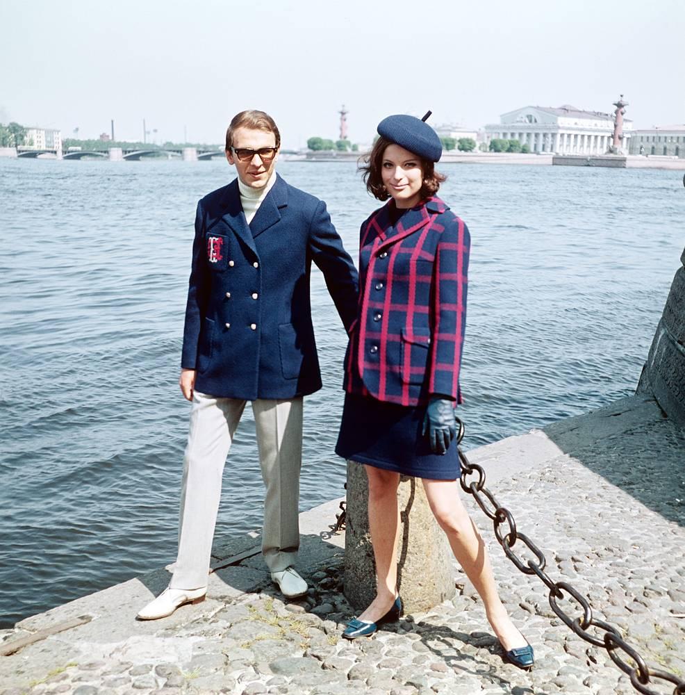 Весенние комбинированные костюмы из новых шерстяных тканей.1968 г.