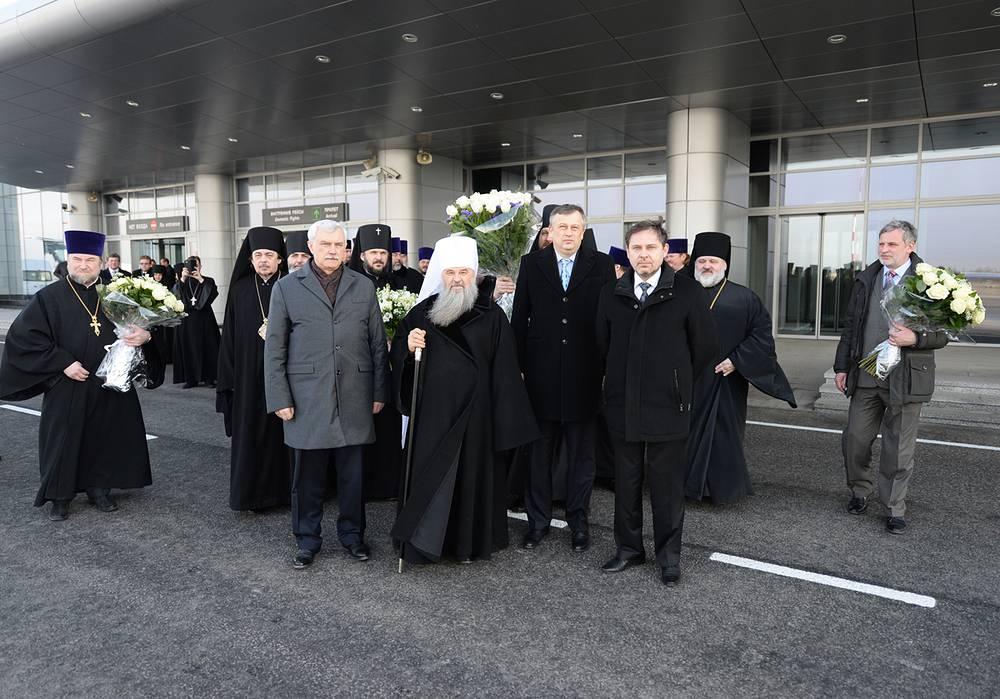 Встреча патриарха Кирилла в петербургском аэропорту Пулково