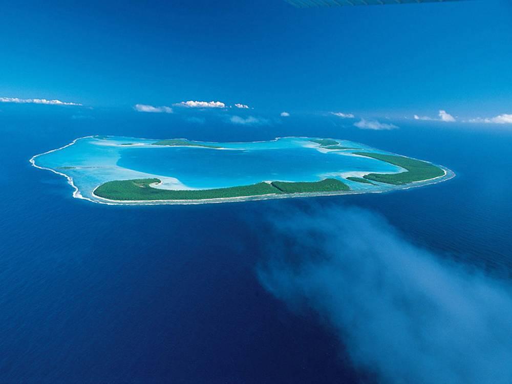 Более 30 лет Марлон Брандо прожил на собственном острове. На фото: атолл Тетиароа - остров Марлона Брандо
