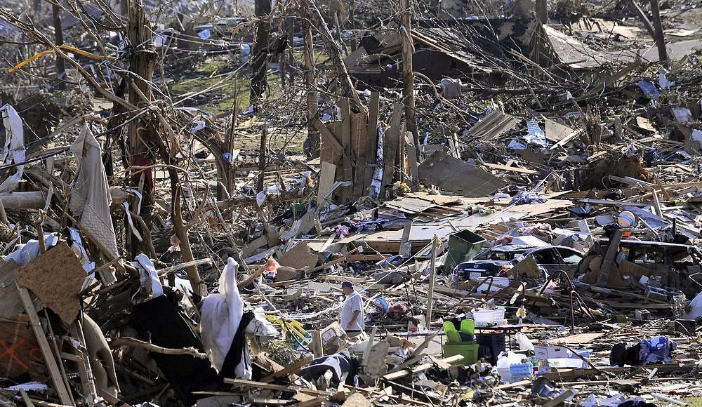 Максимальная скорость вихря составила 340 км/ч. В наибольшей степени пострадали штаты Алабама и Миссисипи