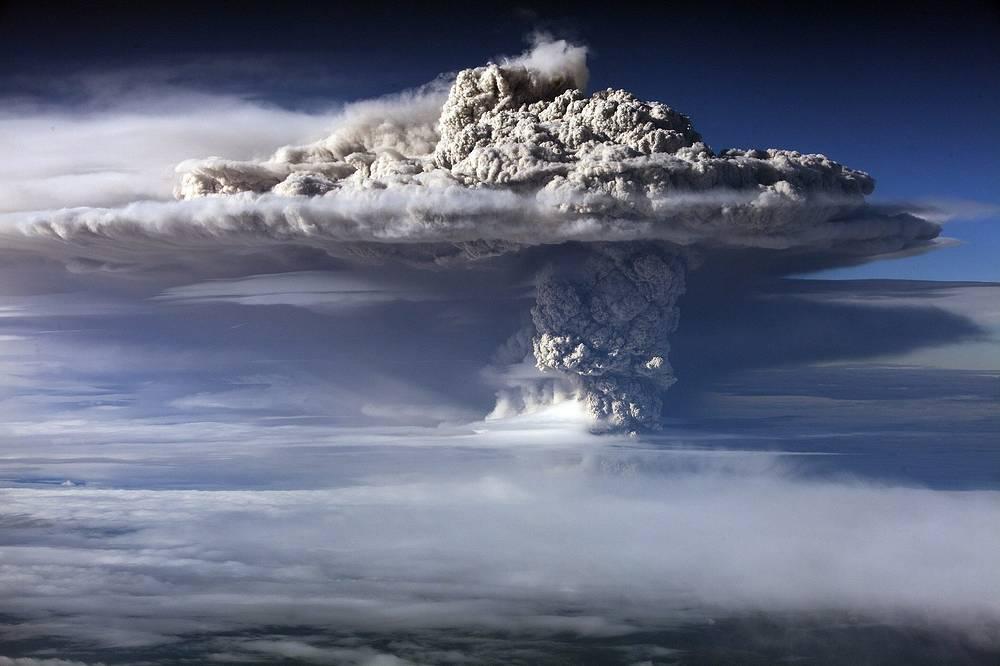 Извержение вулкана Пуйеуэ в Чили, 2011 год