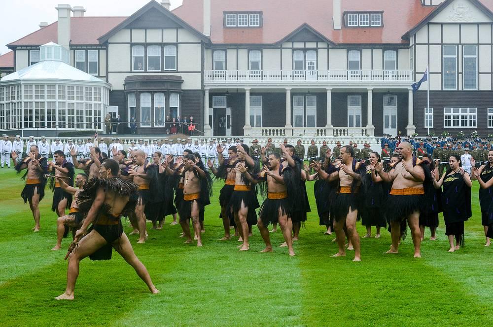 Обрядный танец представителей племени маори