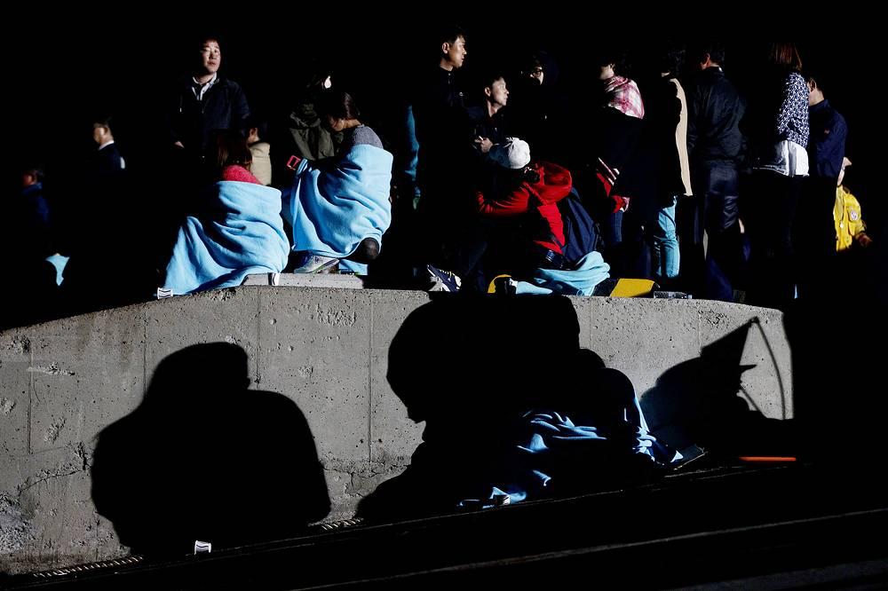 Власти Южной Кореи сообщили, что спасти удалось 368 человек