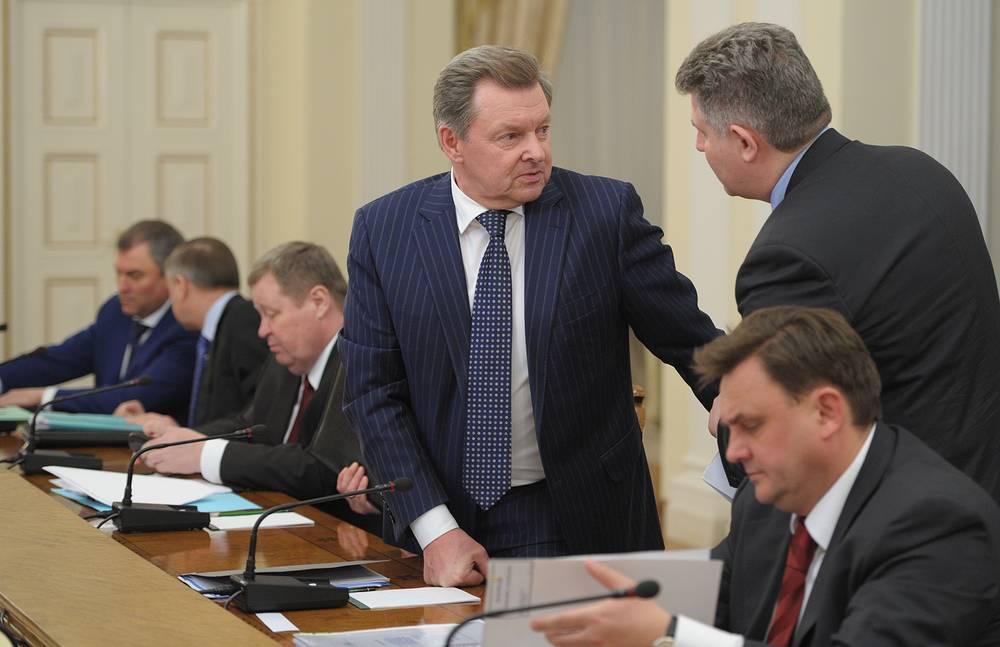 Самым преуспевающим сотрудником администрации президента России является новый полпред главы государства в Крымском федеральном округе Олег Белавенцев, который заработал за 2013 год почти 80 млн руб.