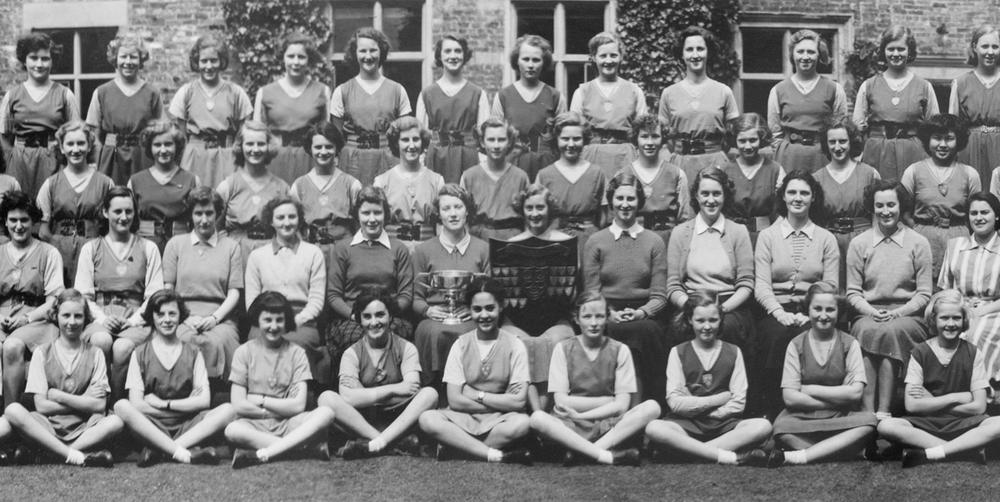 Фрагмент фотографии учащихся школы для девочек Moreton Hall School. Великобритания. 1950 год