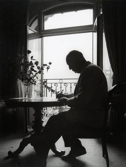 Владимир Набоков скончался 2 июля 1977 года, он похоронен в Монтрё