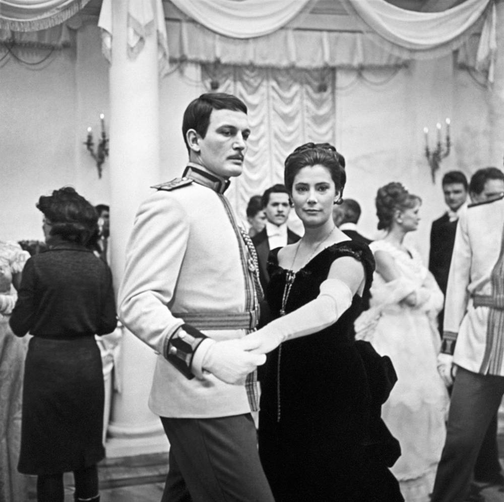 """Также среди наиболее известных ее фильмов - """"Анна Каренина"""", где она сыграла главную роль. На фото: съемки фильма """"Анна Каренина"""", 1967 год"""