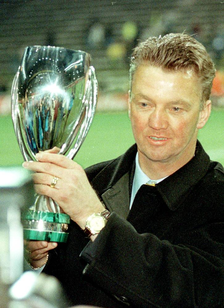 """В 1997 году """"Барселона"""", руководимая испанским специалистом, выиграла Суперкубок Европы"""