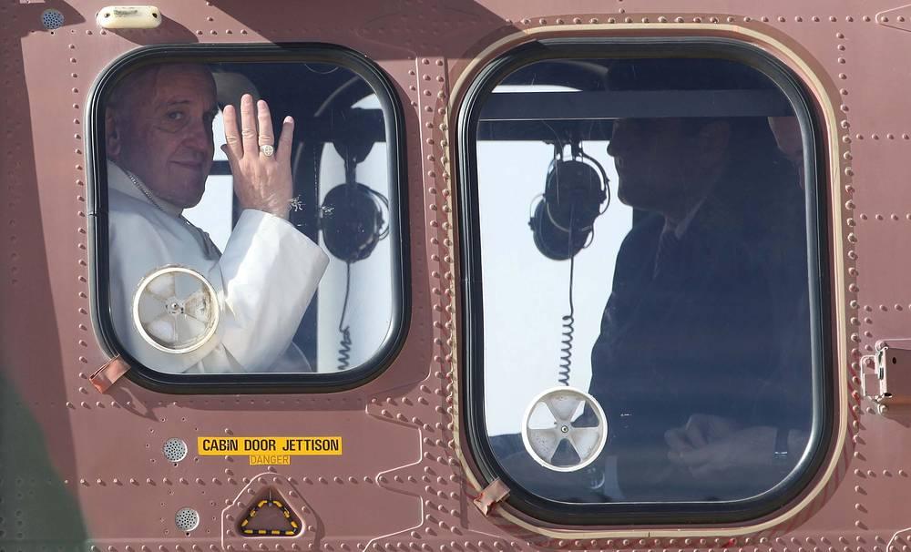 Папа римский Франциск покидает Иорданию на военном вертолете, 25 мая