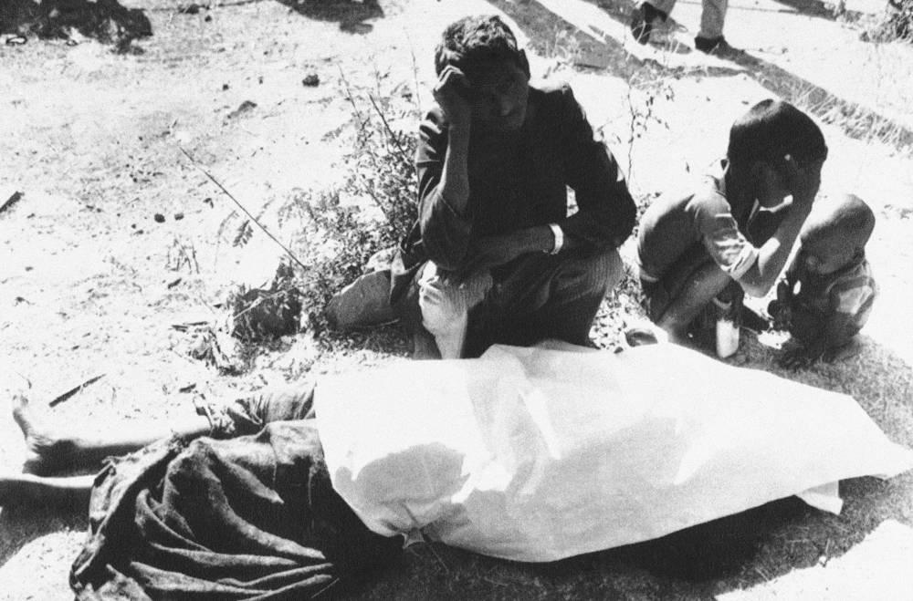 Проведенное индийскими властями расследование показало, что авария в Бхопале произошла из-за грубых нарушений администрацией завода норм техники безопасности. В 1989 году Union Carbide выплатила индийскому правительству компенсацию в размере $470 млн