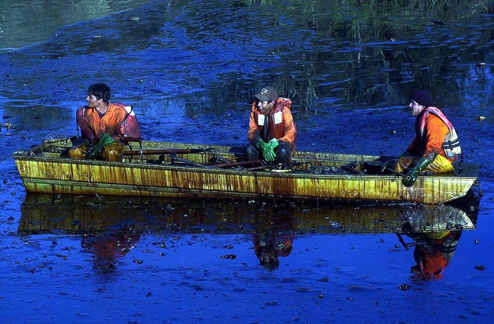 Возникла угроза отравления питьевой воды для нескольких городов. Компания выплатила $56 млн штрафа в государственный бюджет и $30 млн - в бюджет штата