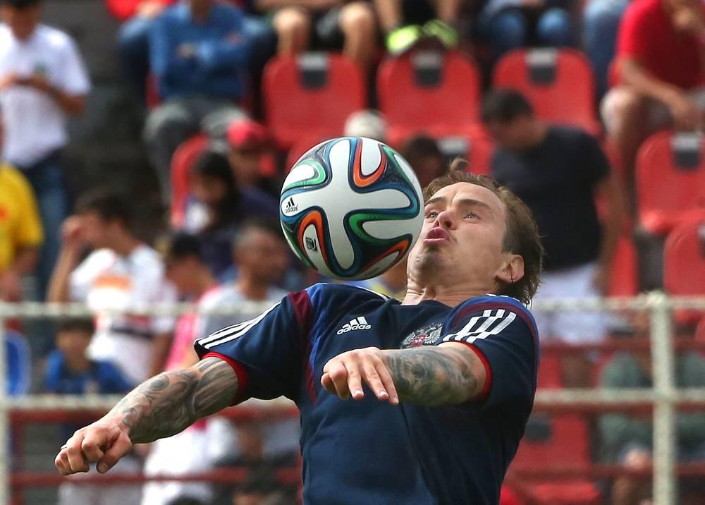 Игрок сборной России Андрей Ещенко