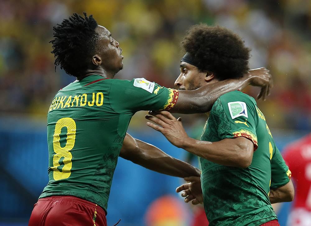 Бенжамен Муканджо (слева) и Бенуа Ассу-Экотто чуть не подрались в концовке встречи