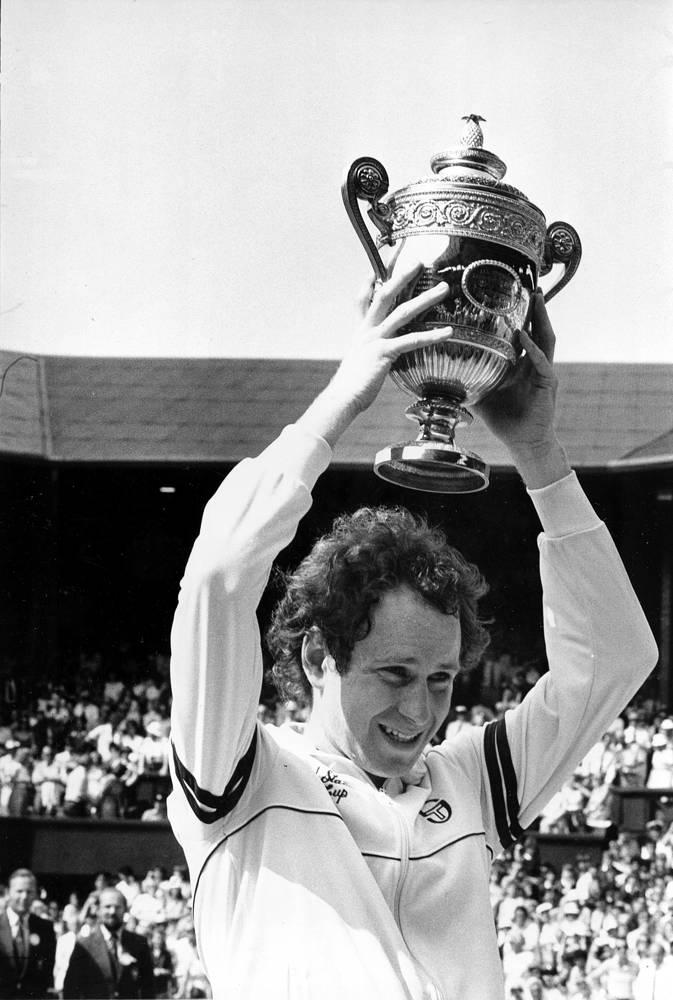 Джон Макинрой - американский теннисист, бывшая первая ракетка мира. На турнире 1981 года впервые в полной мере проявилось неспортивное поведение и неконтролируемые вспышки гнева, преследовавшие его на всем протяжении карьеры, которые, по мнению многих специалистов, помешали ему достигнуть еще больших успехов в теннисе