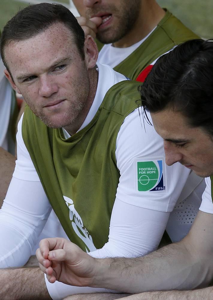 Лидер сборной Англии Уэйн Руни не попал в стартовый состав, в ничего не решающем матче дал поиграть главный тренер резервистам
