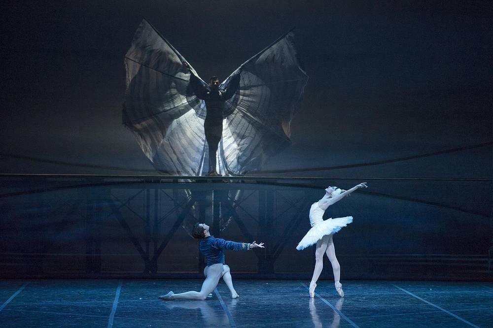 """Важное место в программе отведено балету. """"Лебединое озеро"""" - один из любимых и наиболее часто представляемых в Италии российских балетов"""