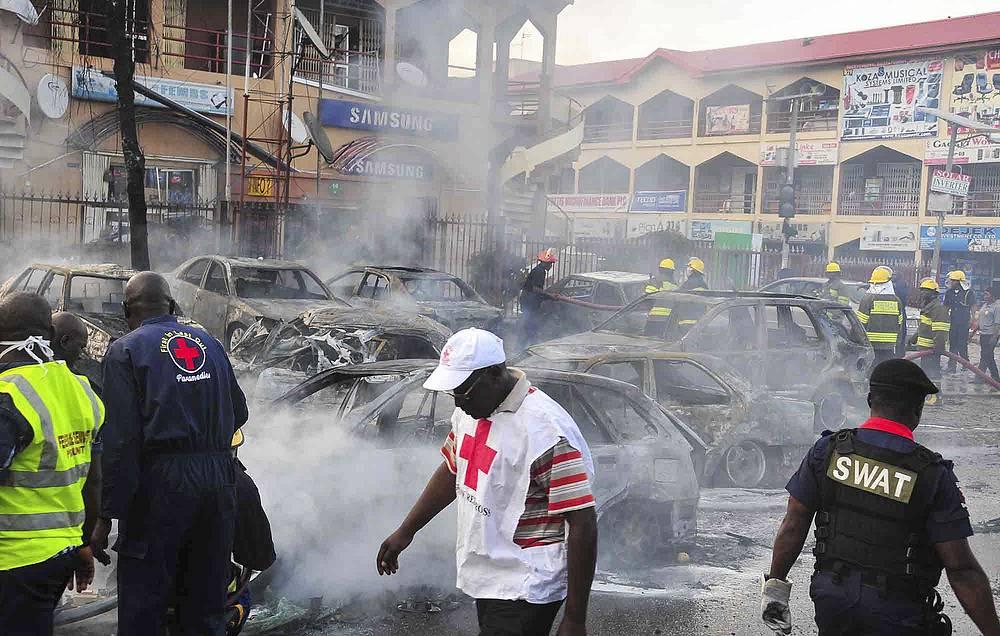 25 июня. После нападения исламистов в столице Нигерии Абудже.  Взрыв, осуществленный террористом-смертником, унес жизни по меньшей мере 21 человека