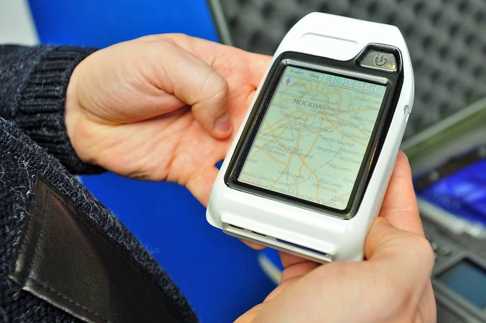 """Ранее Россия приняла решение отказаться от GPS, сделав ставку на отечественную ГЛОНАСС. На фото: спутниковое синхронизирующее устройство ГЛОНАСС/GPS """"Навигатор"""", разработанное в Российском институте радионавигации и времени"""