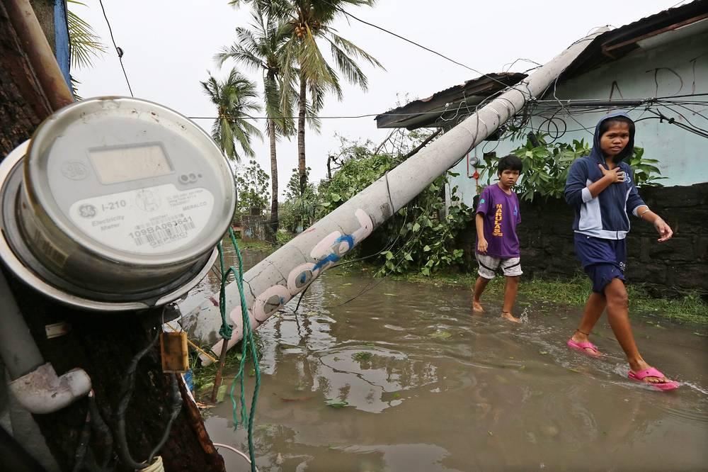 Ураган нарушил транспортное сообщение на острове Лусон, на 85% его территории отсутствует подача электроэнергии