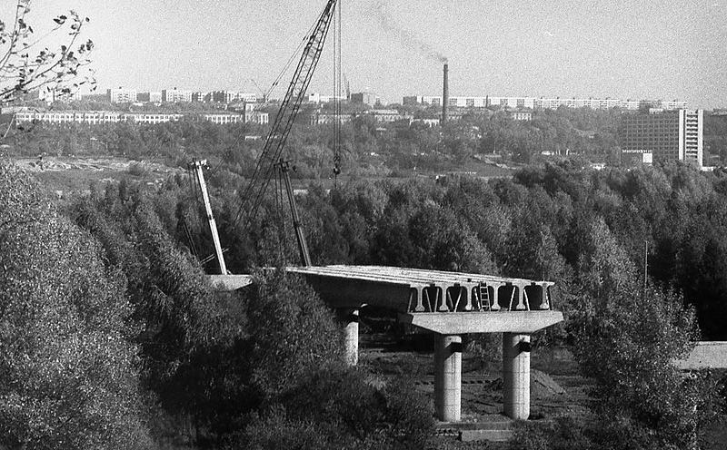 Строительство моста началось в 1981 году и продолжалось пять лет