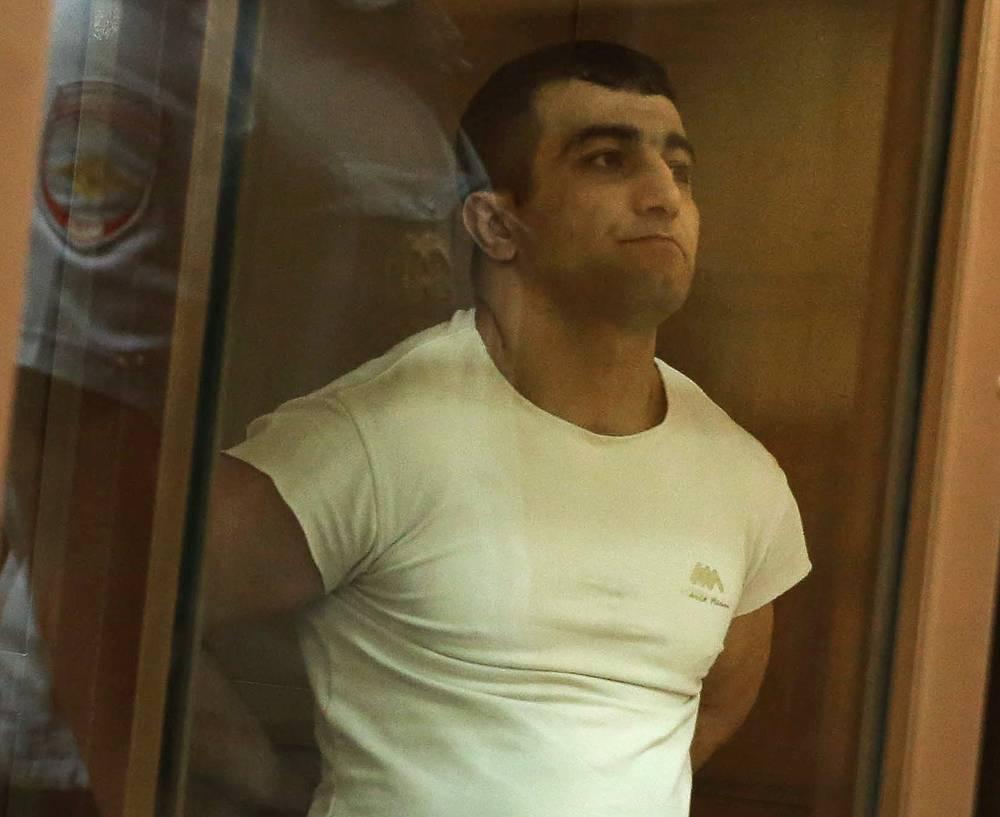 В понедельник, 28 июля, Мосгорсуд приговорил гражданина Азербайджана Орхана Зейналова к 17 годам заключения в колонии строгого режима за умышленное убийство Егора Щербакова, спровоцировавшее беспорядки в столичном районе Бирюлево