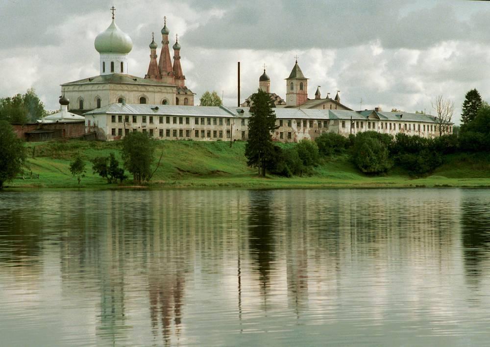 Александро-Свирский монастырь в Лодейном Поле